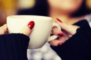 cup-fashion-nails-red-Favim.com-2154716
