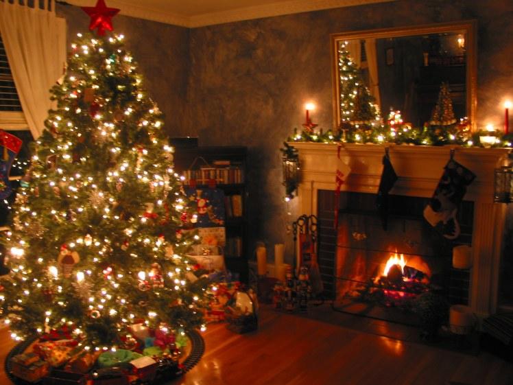 6358478714847400921647458396_Beautiful_christmas_tree