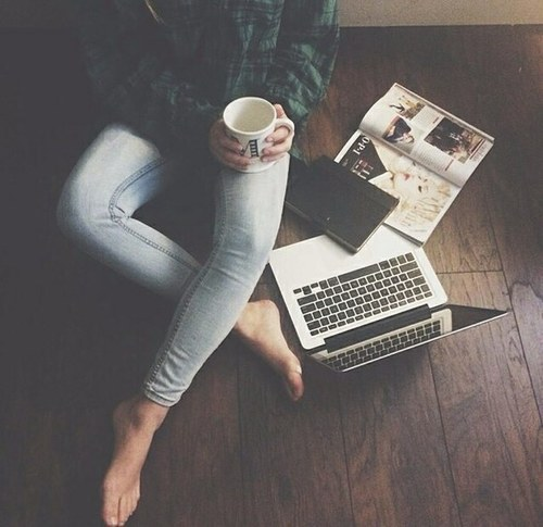 girl_with_laptop